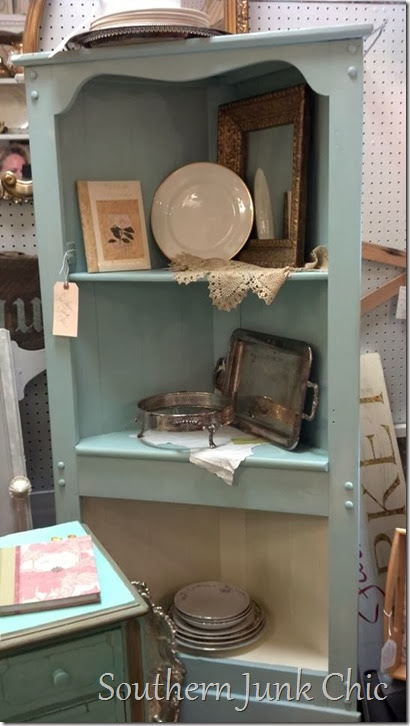corner cabinet display