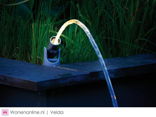 velda-verlichte-waterstraal