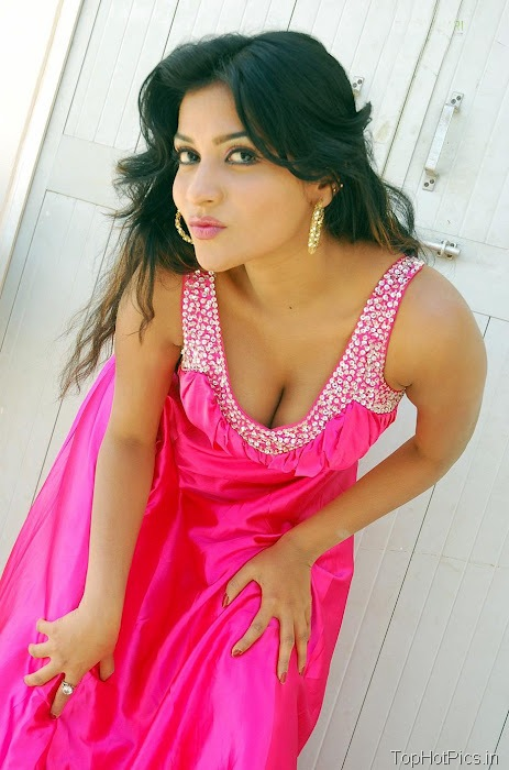 Anitha Reddy Pink Dress Pics 6