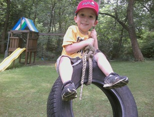 manny on tireswing