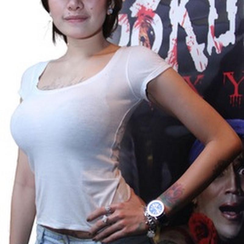 Di film Pokun Roxy, Nikita Mirzani nyaris Bu Gil