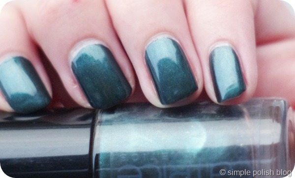 Catrice 600 After Eight Swatch
