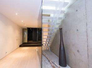 diseño-de-escaleras-muro-hormigon