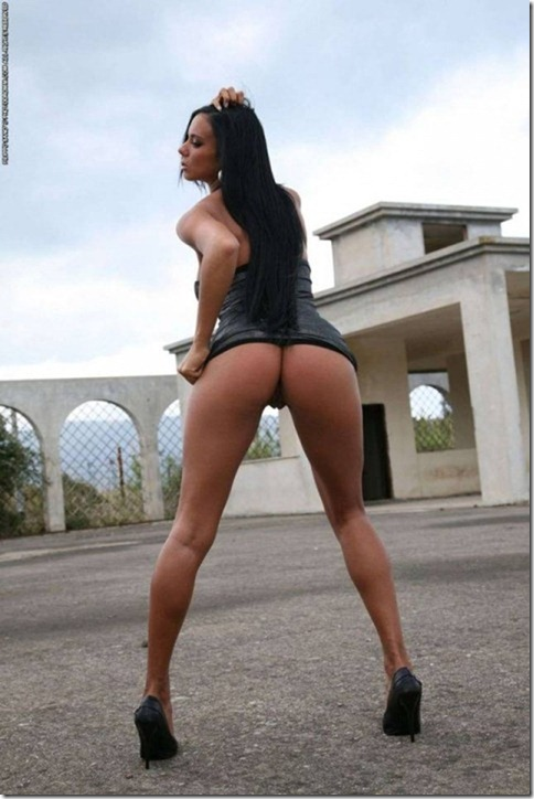 Randy Moore Outdoor Striptease