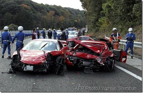 Ferrari kemalangan 5