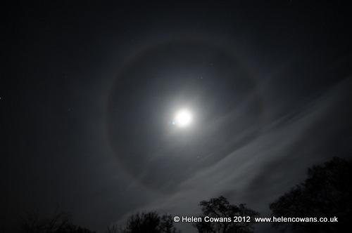 [moon-icehalo%255B3%255D.jpg]