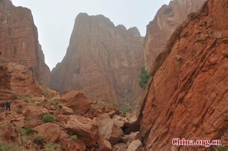 tianshan-canyon-1