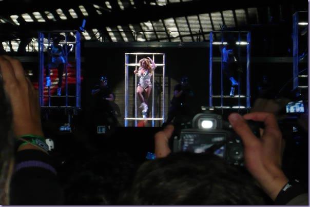 Britney-Femme-Fatale-Tour-São-Paulo-Up-N-Down