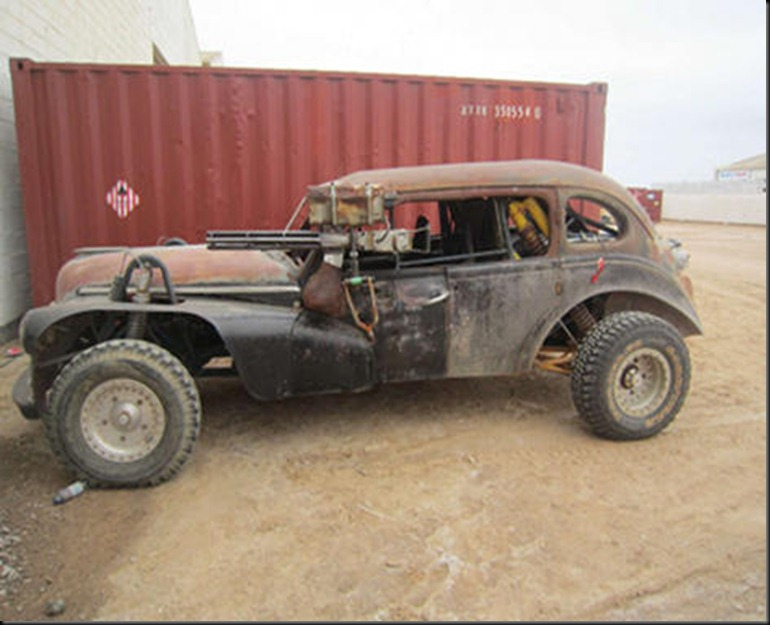 new-on-set-images-from-mad-max-fury-road-111686-00-470-75