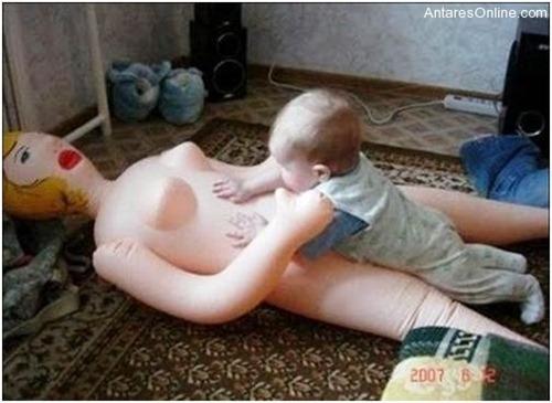 Pais dando um péssimo exemplo para os filhos