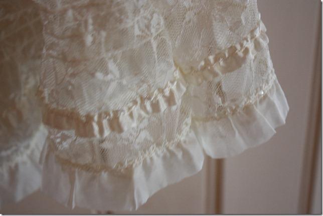 Håndlaget dåpskjole heklet blonder IMG_2072