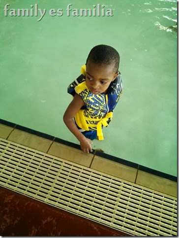 Kendry on the side pool