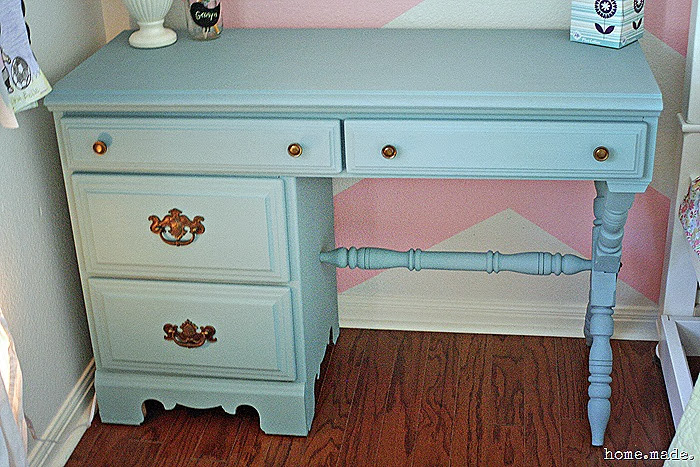 Little Girl's Desk Makeover