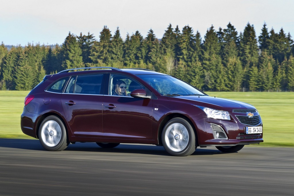 2013-Chevrolet-Cruze-Facelift-10.jpg?imgmax=1800