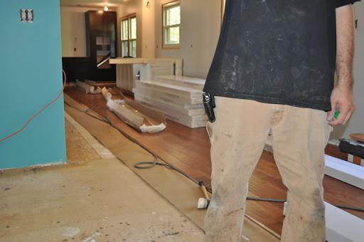 Laminate flooring installing laminate flooring tips for Laminate flooring techniques