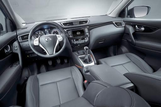 2014-Nissan-Qashqai-20.jpg