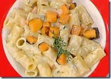 Mezze maniche al gorgonzola con zucca croccante