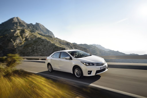 2014-Toyota-Corolla-19.jpg