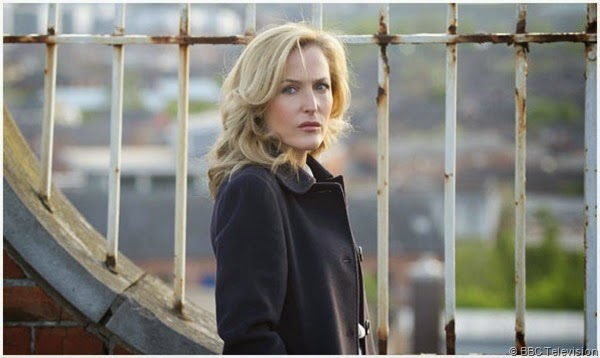 Gillian Anderson hunts for a serial killer in THE FALL.