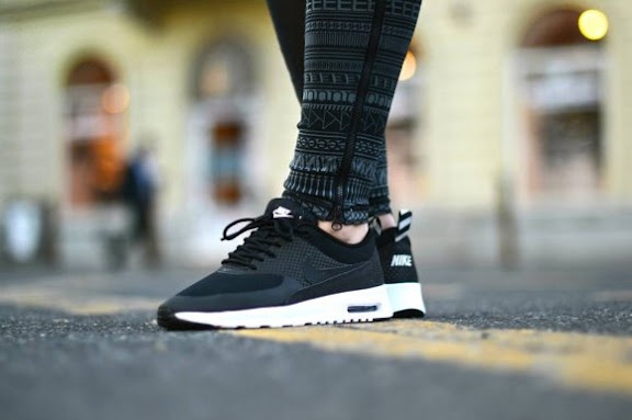 nike-wmns-air-max-thea-black.jpg