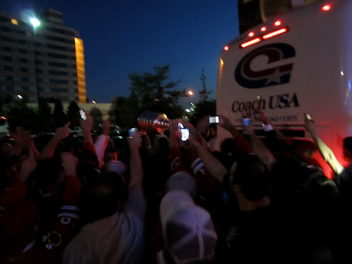 seabs & burish take the cup for a trip around the bus - this is when I got to touch it O_O