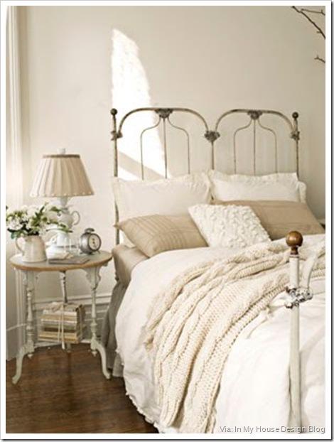 103-0211-bedroom-mdn