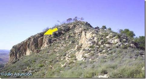 El Castillarejo - Indicación de la ubicación de la cueva principal - PInoso