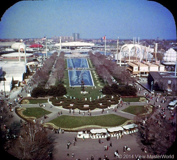 View-Master New York World's Fair 1964-1965 (A671),Scene 15 Court of the Astronauts and Fountain of the Fairs