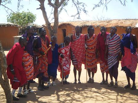 Imagini Kenya:. Sat Masai