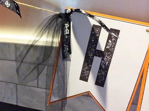 Halloween Banner Mantle 2