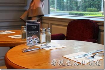 PAUL台北內湖店的店內裝潢。