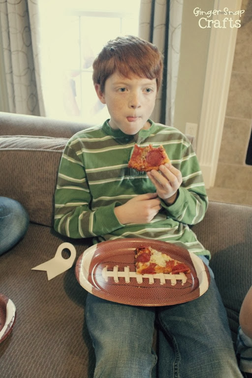 pizza and football #gamedaygoodies #shop