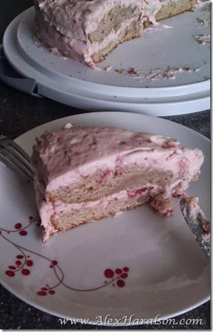 homemade strawberry birthday cake8