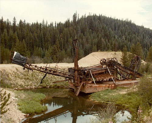 Small Gold Mining Dredges : Are theses dredge tailings or something page