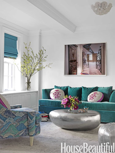 d-hbx-teal-couch-living-room-0312-galli-lgn.jpg