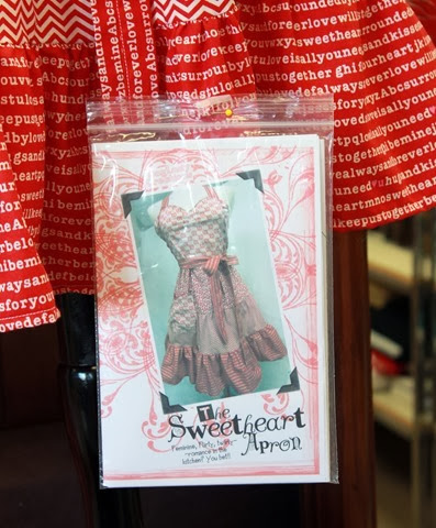 valentine apron  - The Sweetheart Apron