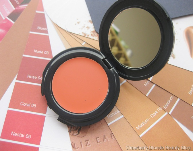 Liz Earle Cream Blush Coral (2)