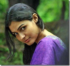 actress_andrea_jeremiah_in_annayum_rasoolum_movie_pic