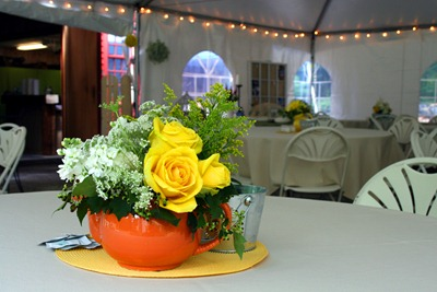 white and yellow centerpiece