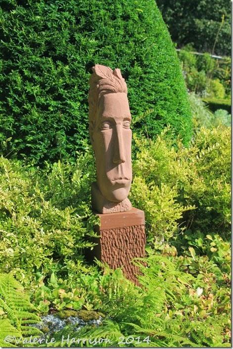 1-Statue