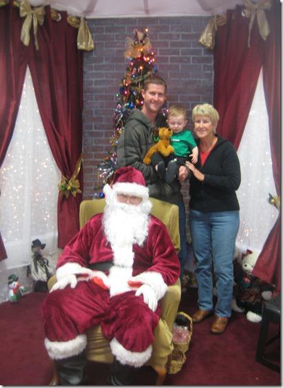 12 11 11 - Visit with Santa (14)