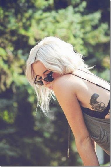 girls-guns-tattoos-019