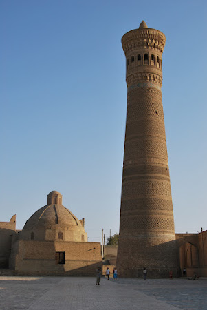 Imagini Uzbekistan: Bukhara - Minaretul Kalon.jpg