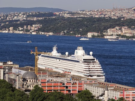 09. Cruise terminal - Istanbul.JPG