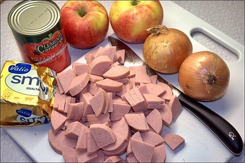 Gryta med falukorv och äpple