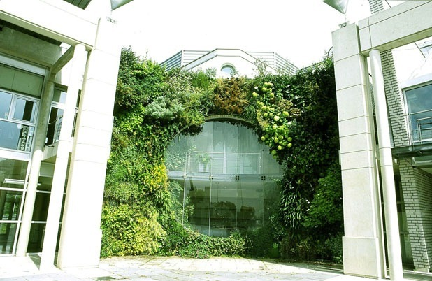 vertical garden by patrick blanc 2