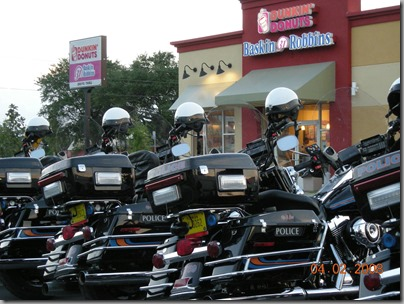 'Dunkin Donuts' - Great picture from Florida :-)