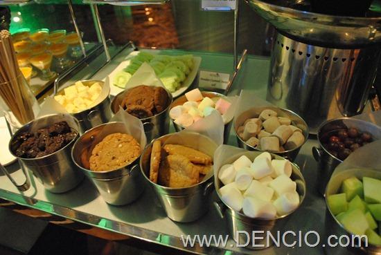 Acaci Cafe Buffet Acacia Hotel Manila 40
