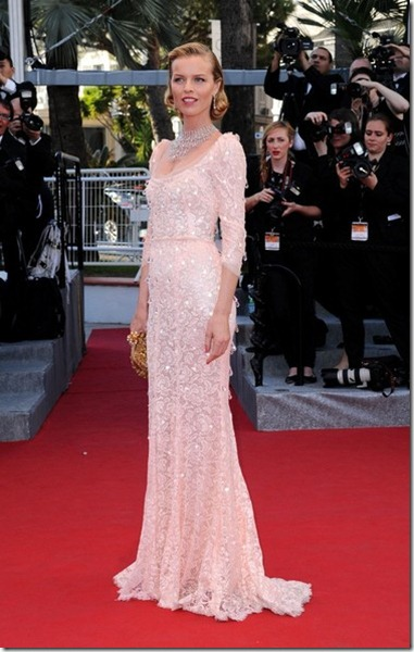 Eva Herzigova Moonrise Kingdom Premieres Cannes xc-UJEwcAQ_l