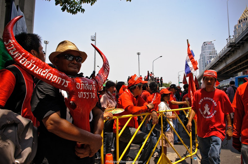 On 20 april 2010, Udd Protest @ Silom, RedShirt on Ratchadamri Road